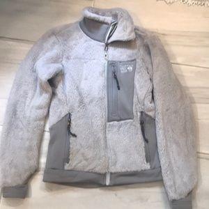 Gray soft fleece Mountain hardware jacket